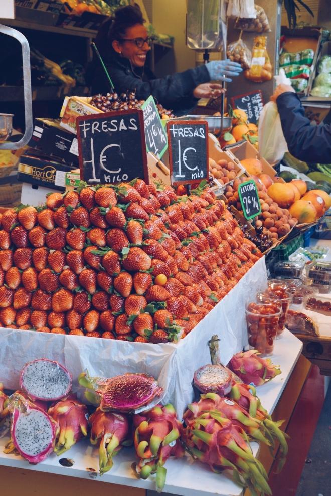 mansikat kypsyvät talvella Andalusiassa