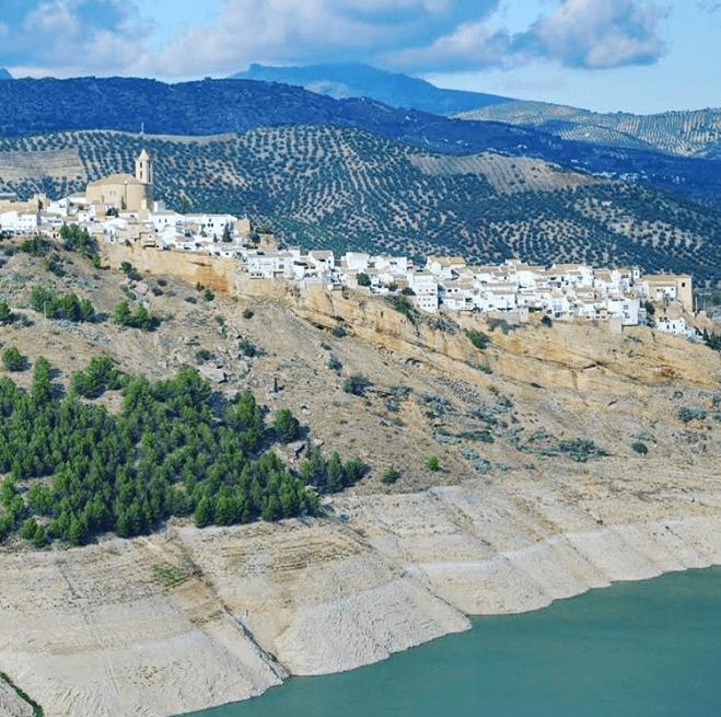 Iznajar valkoiset kylät