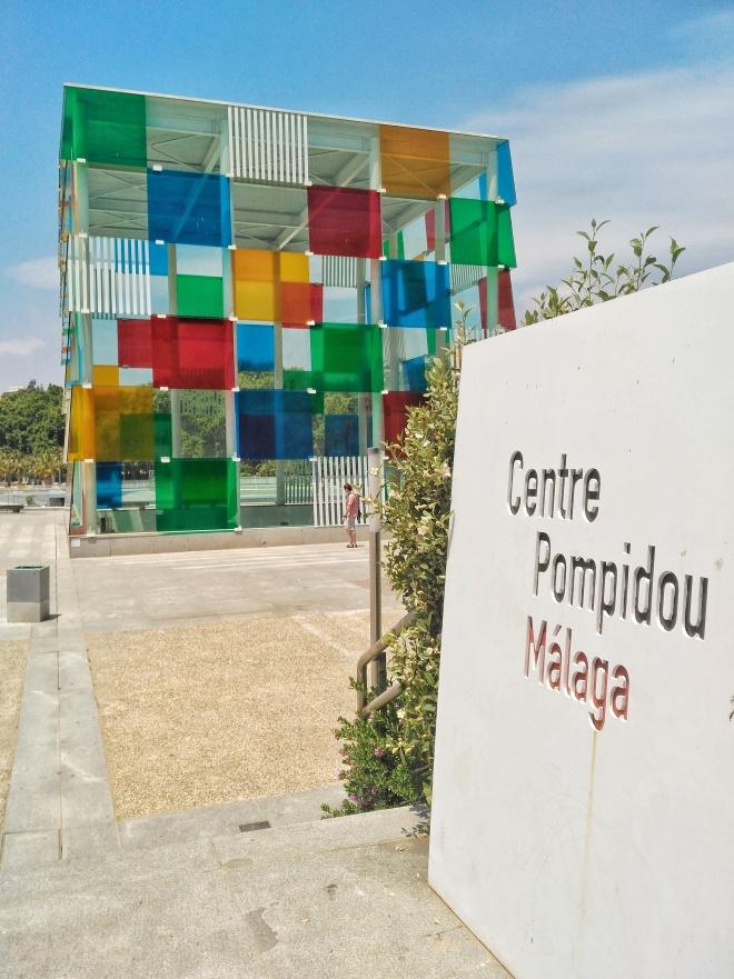 Malagan Pompidou-keskuksessa.jpeg