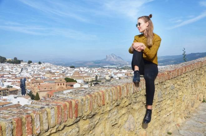 Antequeran-linnan-muurin-maisemat-ja-vuori